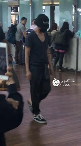 Big Bang - Incheon Airport - 05jun2016 - GD Fan - 01