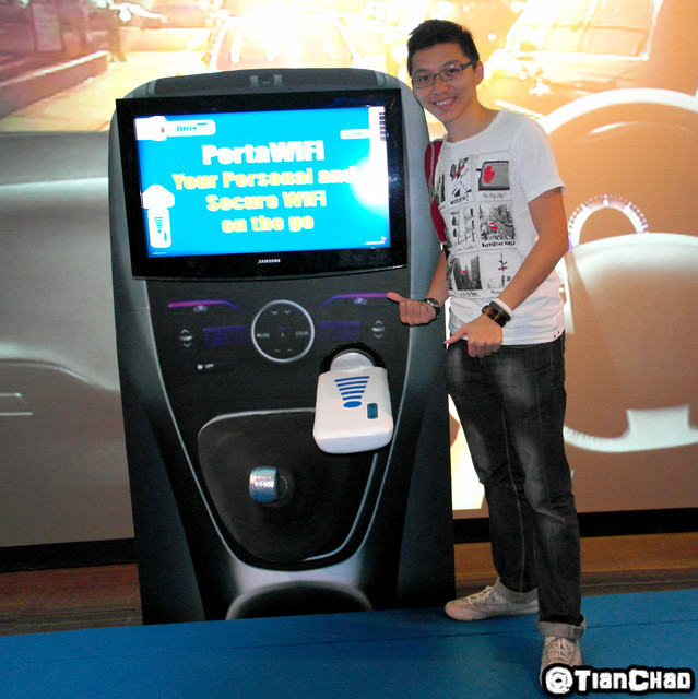 Celcom PortaMifi Internet On the Go Carplug Powerplug easy use for family member