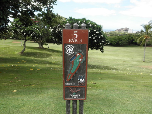 Makaha Valley Country Club 093