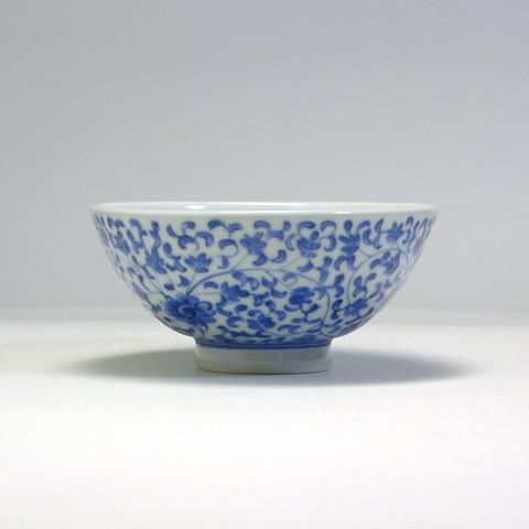 砥部焼 陽貴窯「丸茶碗/花唐草(大)」