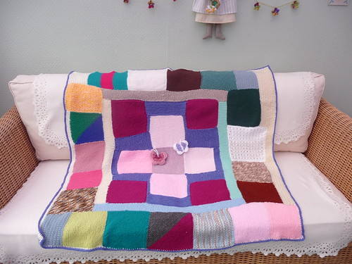 Sally has very kindly assembled this blanket for me, she has made a great job!
