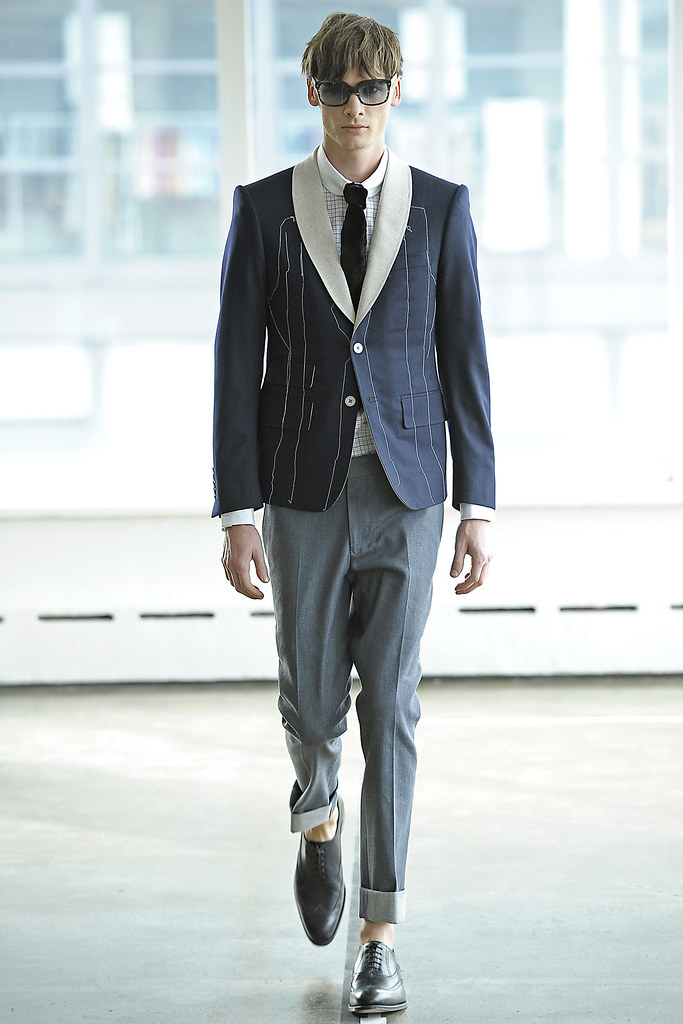 Angus Low3043_FW12 NY Antonio Azzuolo(VOGUE)