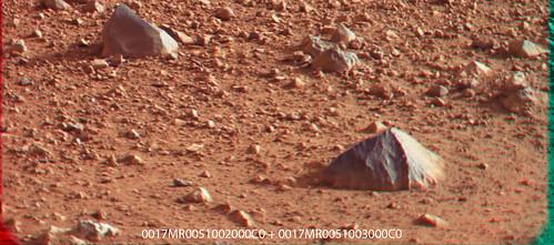 Curiosity Sol 17 Subframe 0017MR0051002000C0 + 0017MR0051003000C0 Anaglyph useful part