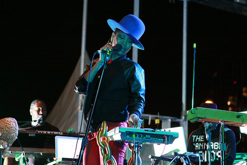 Badu on stage