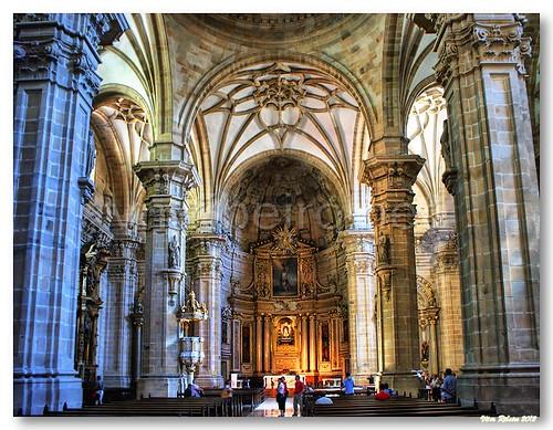 Basílica Santa María del Coro by VRfoto