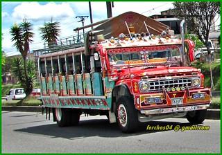 Chiva Colombiana - bus escalera - FORD 600 1965  SYJ 097