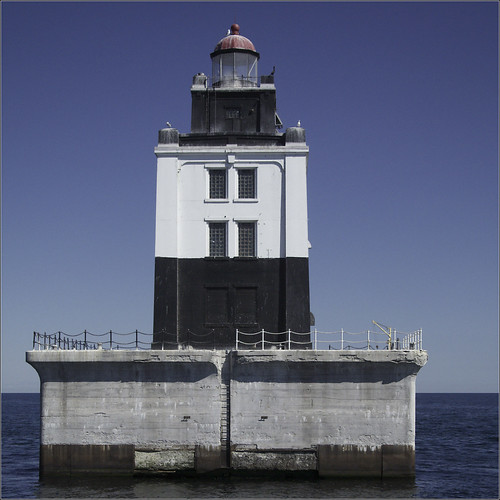 Poe Reef Light