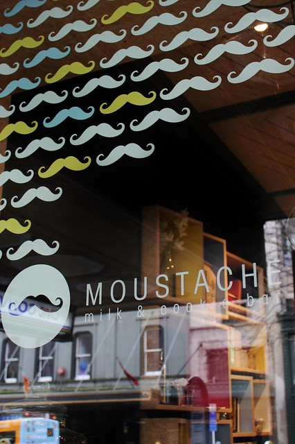 Moustache Milk and Cookies Bar