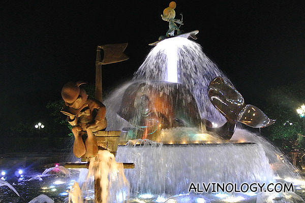 The musical fountain looks quite different at night when lighted