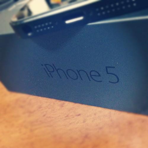 iPhone5届いた!- LTEの爆速さに顏がこうなった→  ( ゚∀゚)アハハ