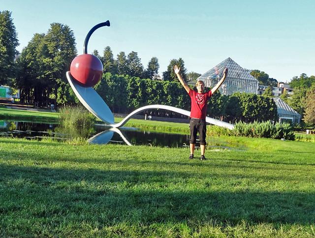 sculpture-garden-pose
