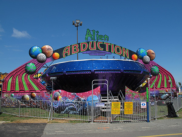 alien abduction ride - photo #18