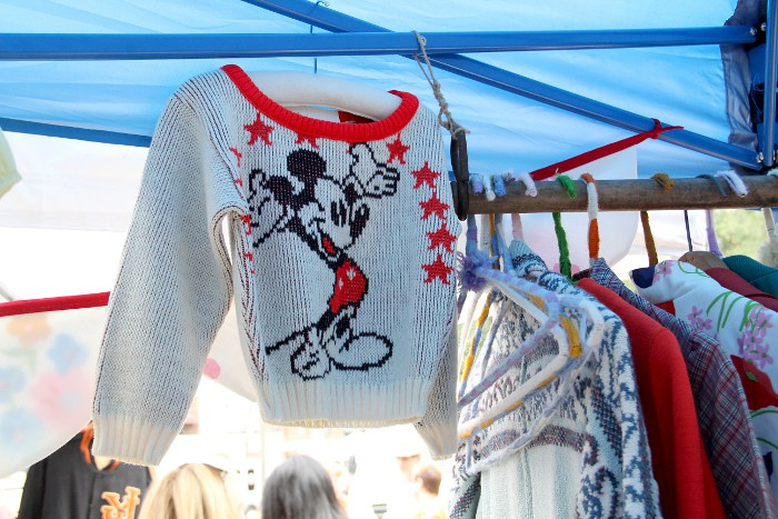 vintage_mickey_sweater