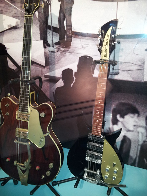 Photo:Gretsch & Rickenbacker guitars By doryfour