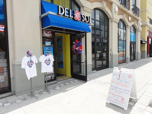 Del Sol, selling RNC memorabilia