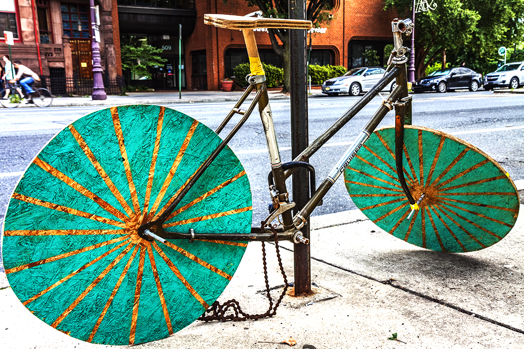 Bike-with-wooden-wheels--South-Broad