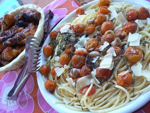 pâtes aux tomates et pilons de poulet.jpg