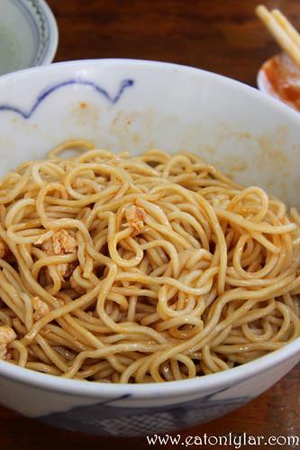 Chili sauce with Hakka Noodles, Chong Ko Hakka Noodles