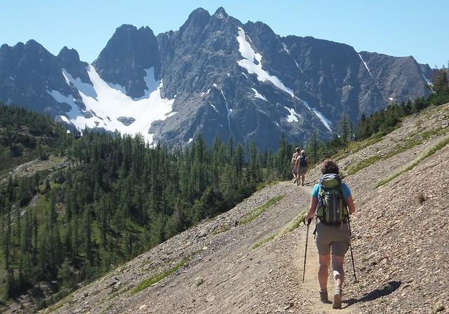 hike Grasshopper Pass