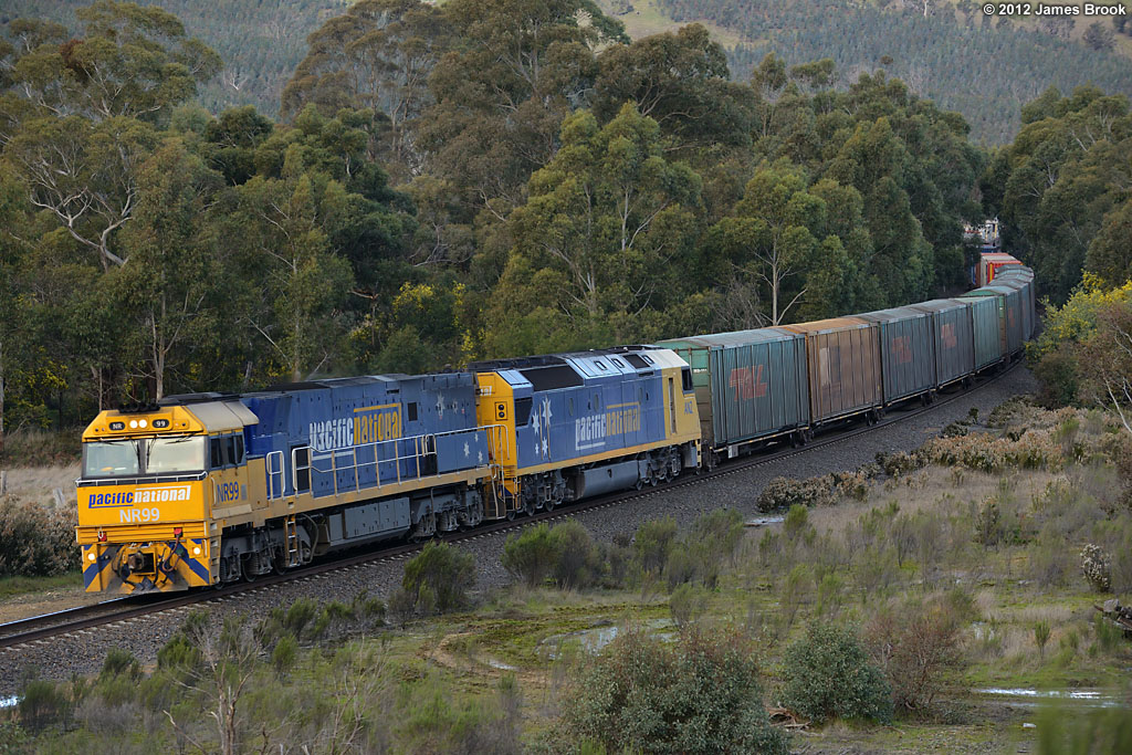 NR99 and AN2 near Kilmore East with 7MS4 by James Brook