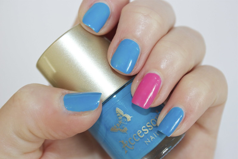 pink and blue accent nail