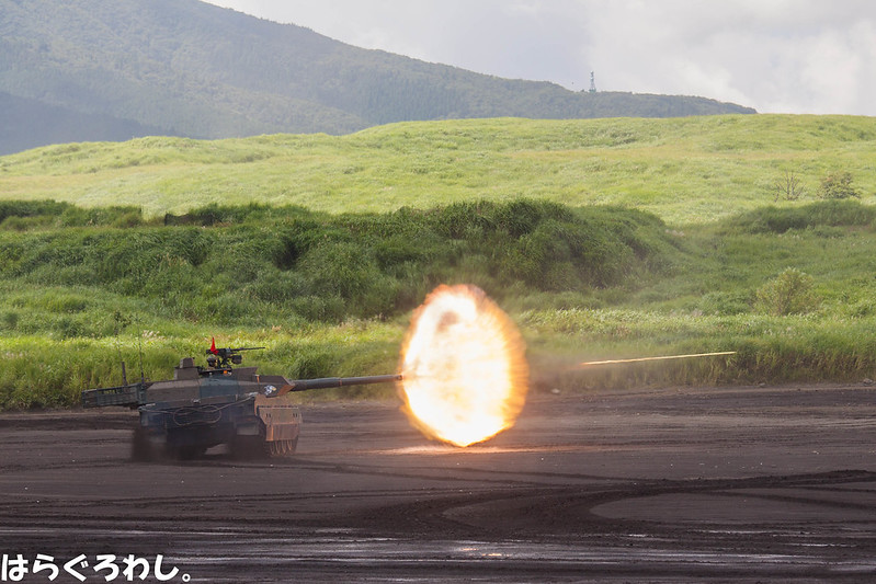 "10式戦車@総火演 Type 10 tank @ ""Fuji Firepower Review"""