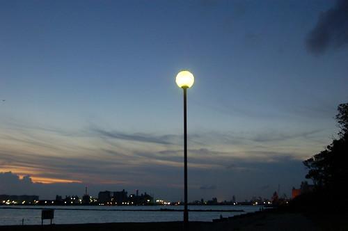 夕暮れのポートパークから