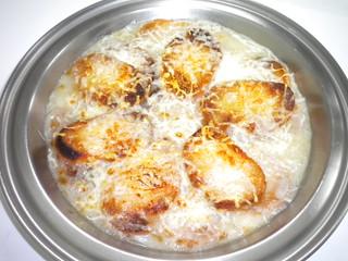 Sopa de cebolla gratinada 12