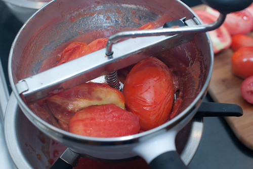 how to prep your tomatoes for a sauce