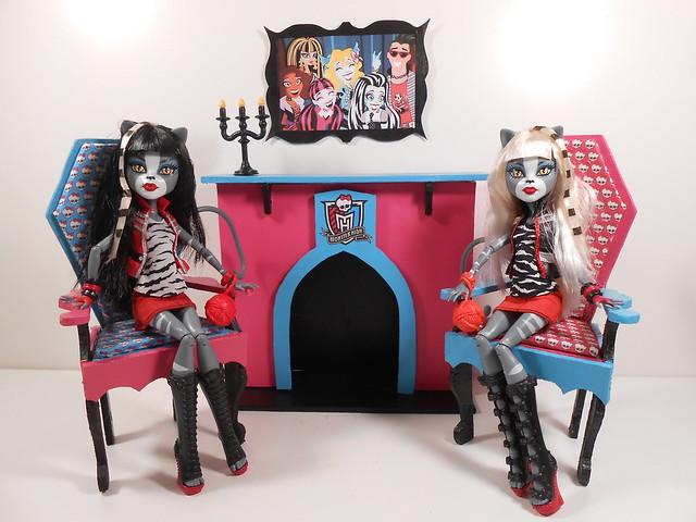 Как для кукол монстр хай сделать мебель