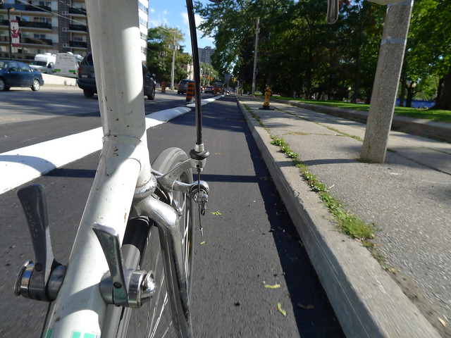 Sat, 09/22/2012 - 14:58 - P1060542 Sherbourne 'Separated' Bike Lane
