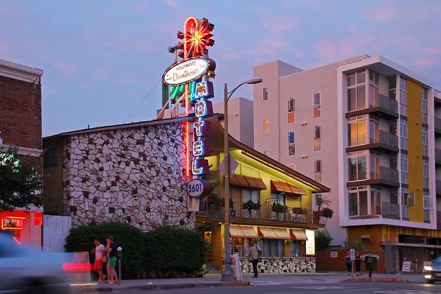 hollywood downtowner motel flickr photo sharing. Black Bedroom Furniture Sets. Home Design Ideas