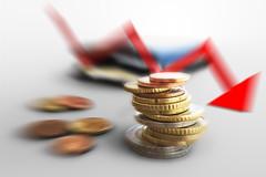 Euro Muenzgeld und Portmonee mit rotem Pfeil - Radial - (Geld, Kleingeld, Muenzen)