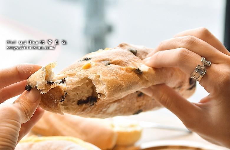 歐客佬咖啡麵包甜點太原路39
