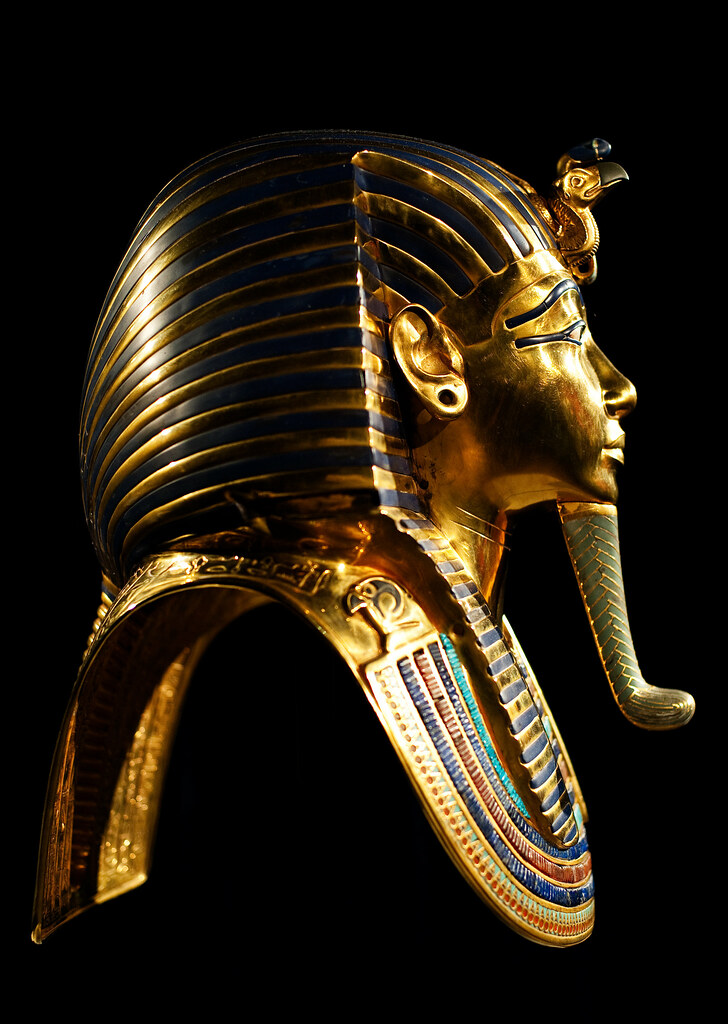 tutankhamun gold mask King tut mask king tut mask - the golden death mask of tutankhamun the ancient egyptians were obsessed with the prospect of life after death - the eternal afterlife.