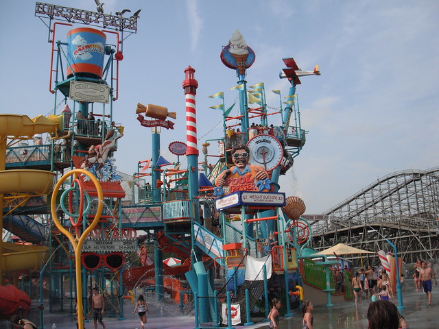 amusement park 4 essay Here is a list of sample areas covered on a typical amusement park or theme park evaluation: website: mobile website: phone system: telephone associate: parking.