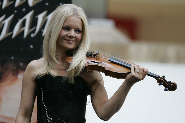 Mairead nesbitt celtic woman performs at macquarie shoppin