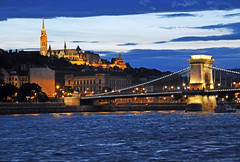 [Free Images] Architecture, Bridges, City / Town, Night View, Landscape - Hungary, Chain Bridge (Budapest) ID:201208282000