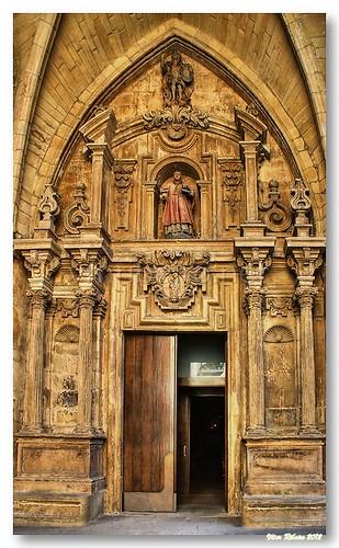 Porta da igreja de S. Vicente by VRfoto