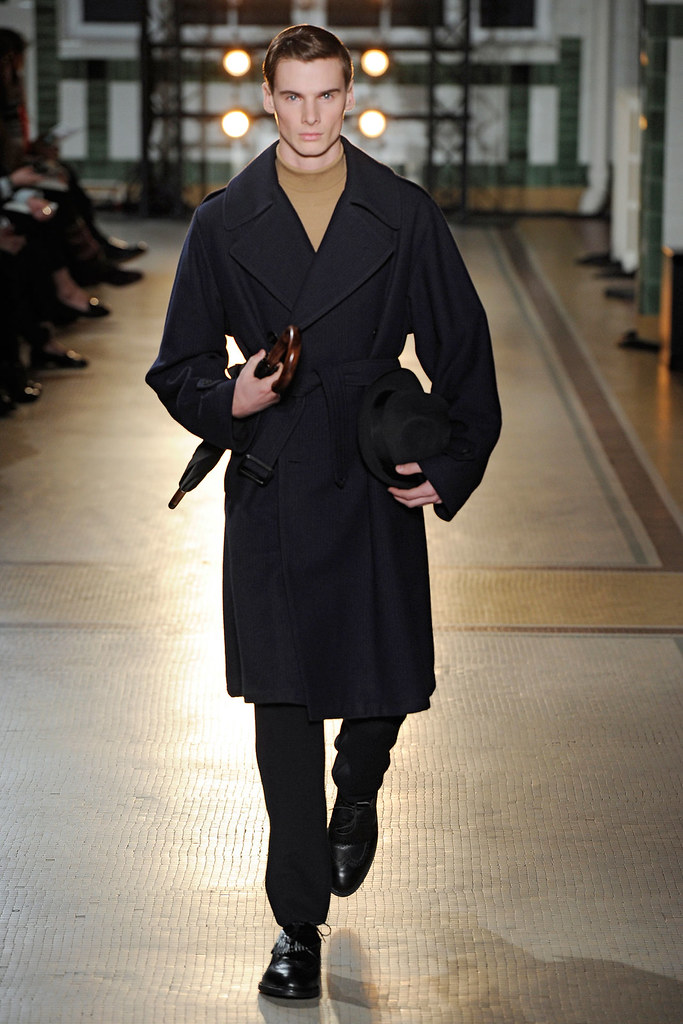 Angus Low3033_FW12 Paris Wooyoungmi(VOGUE)