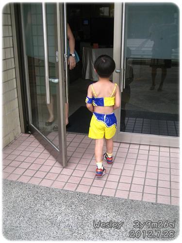 120728-穿上舞衣的小幼生 (3)