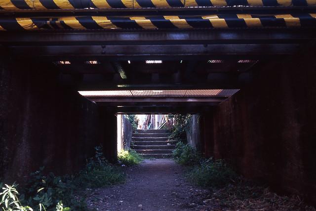 線路下の空間