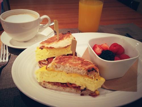 Blue Finという名前のお店で食べた朝ご飯。