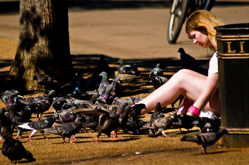 London - Woman With Pigeons - 09-09-12