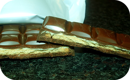 Cadbury's Dairy Milk Golden Biscuit Crunch