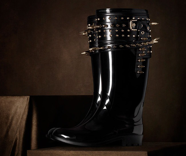 0999 spiked rain boots