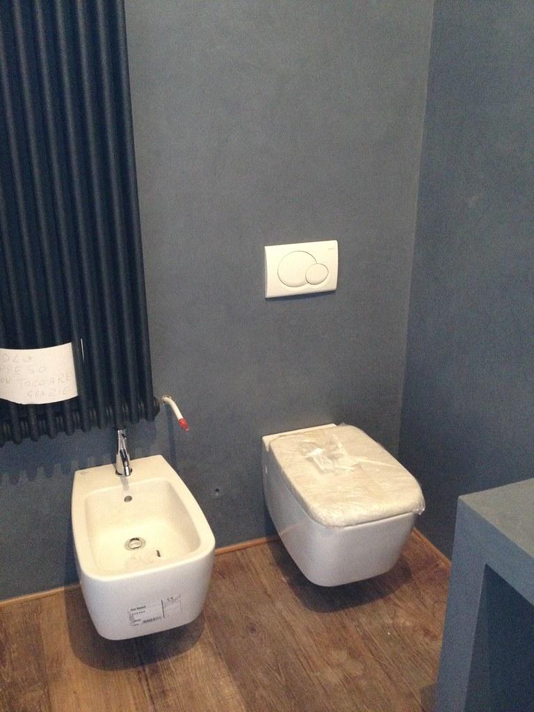 Pareti e consolle lavabo in resina - Pareti doccia in resina ...