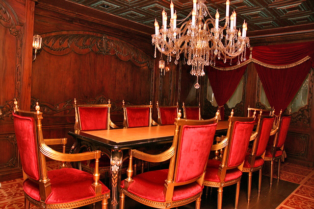 Le Salon l'Elysee - private dining room at Antoinette