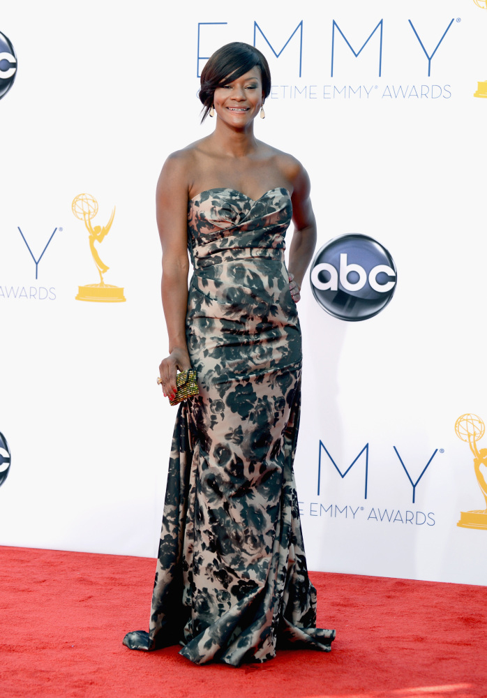 Sufe Bradshaw in David Meister Signature emmys