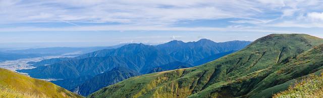 越後三山と牛ヶ岳